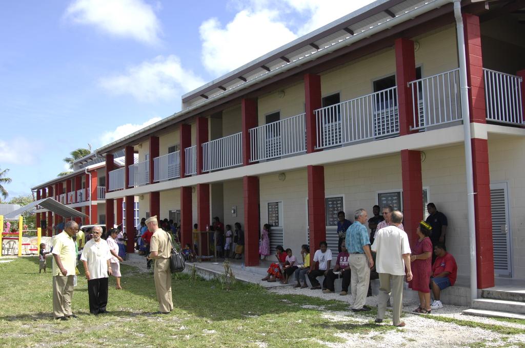 [Assignment: 48-DPA-SOI_K_Majuro_6-11-12-07] Pacific Islands Tour:  Visit of Secretary Dirk Kempthorne [and aides] to Majuro Atoll, of the Republic of Marshall Islands [48-DPA-SOI_K_Majuro_6-11-12-07__DI14685.JPG]