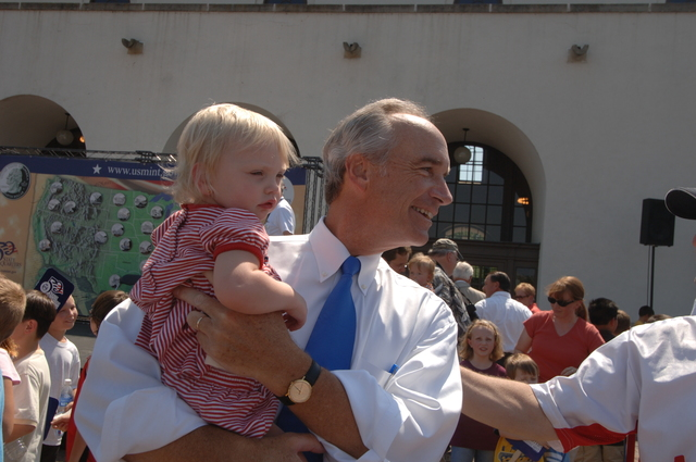 [Assignment: 48-DPA-08-03-07_SOI_K_ID_Quarter_Groups] Secretary Dirk Kempthorne with [participants, audience members on hand for] ceremony marking the official release of the Idaho quarter [--part of the U.S. Mint's 50 State Quarters Program--at the Boise Depot, Boise, Idaho.  Secretary Kempthorne joined Treasury Secretary Henry Paulson, Jr., U.S. Mint Director Ed Moy, Idaho State Treasurer Ron Crane, Peregrine Fund President J. Peter Jenny, Idaho KTVB-TV newscaster Larry Gebert, and singer-poet Rudy Gonzales among the speakers.] [48-DPA-08-03-07_SOI_K_ID_Quarter_Groups_SOI_K_Idaho_Quarter_158.JPG]