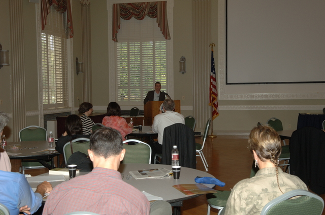 [Assignment: 48-DPA-09-20-07_K_DOI-U_Exec_Swamp] Department of the Interior University Executive Forum, featuring [lecture by Michael Grunwald, Washington Post reporter and author of the Everglades history,] The Swamp [48-DPA-09-20-07_K_DOI-U_Exec_Swamp_IOD_3426.JPG]