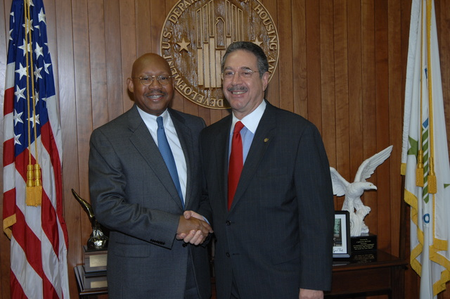 Secretary Alphonso Jackson with Frank Vaccarella - Secretary Alphonso Jackson with Frank Vaccarella, Director of Intergovernmental Relations in the Office of Congressional and Intergovernmental Relations, at HUD Headquarters