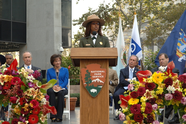 [Assignment: 48-DPA-10-05-07_SOI_K_ABG_Event] Dedication of new memorial at the African Burial Ground National Monument in New York City, New York, with keynote address by Secretary Dirk Kempthorne [and presentations by dignitaries including New York City Mayor Michael Bloomberg, New York Senator Charles Schumer, General Services Administrator Lurita Doan, National Park Service Deputy Director for Operations Dan Wenk,  African Burial Ground Superintendent Tara Morrison, New York Public Library Schomburg Center for Research in Black Culture Director Howard Dodson, poet and novelist Maya Angelou, and actors Sidney Poitier and Avery Brooks.] [48-DPA-10-05-07_SOI_K_ABG_Event_IOD_4380.JPG]