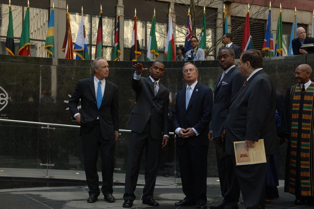 [Assignment: 48-DPA-10-05-07_SOI_K_ABG_Event] Dedication of new memorial at the African Burial Ground National Monument in New York City, New York, with keynote address by Secretary Dirk Kempthorne [and presentations by dignitaries including New York City Mayor Michael Bloomberg, New York Senator Charles Schumer, General Services Administrator Lurita Doan, National Park Service Deputy Director for Operations Dan Wenk,  African Burial Ground Superintendent Tara Morrison, New York Public Library Schomburg Center for Research in Black Culture Director Howard Dodson, poet and novelist Maya Angelou, and actors Sidney Poitier and Avery Brooks.] [48-DPA-10-05-07_SOI_K_ABG_Event_IOD_4441.JPG]