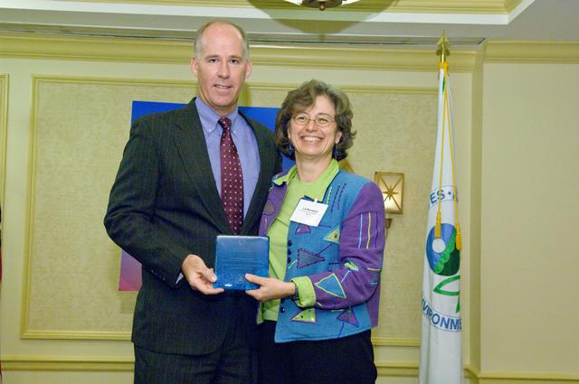 Office of the Administrator (Stephen L. Johnson) - Children's Environmental Health Excellence Award [412-APD-333-2007-10-11_ChildrensHealth_037.jpg]