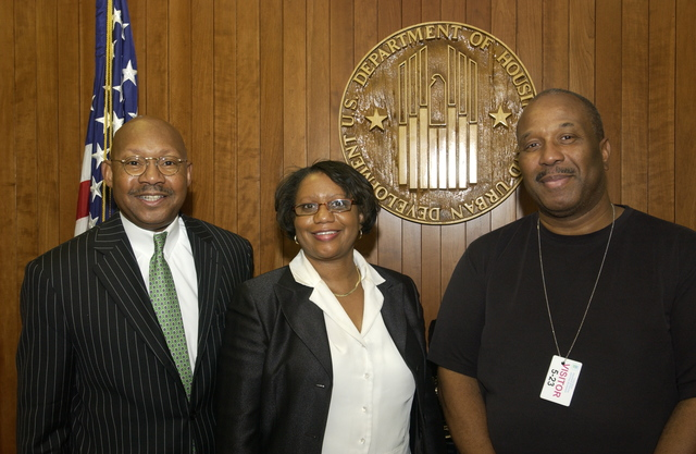 Visit of Louis Washington to HUD - Visit of Louis Washington, associates to HUD Headquarters for meeting with Secretary Alphonso Jackson and Assistant Secretary for Fair Housing and Equal Opportunity, Kim Kendrick