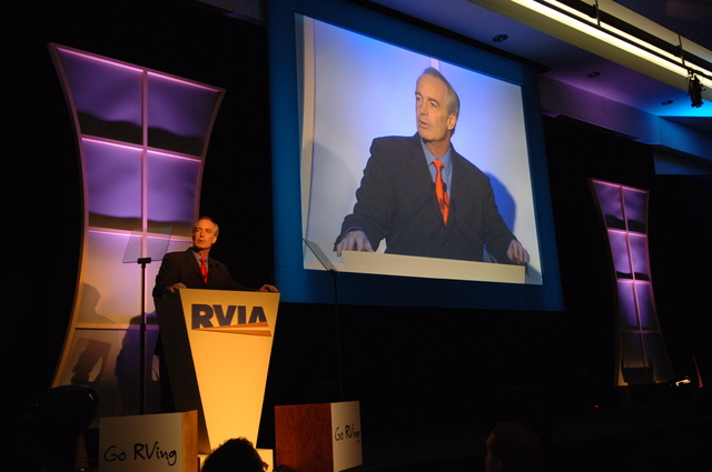 [Assignment: 48-DPA-11-27-07_SOI_K_RVIA_Event] Recreation Vehicle Industry Association (RVIA) annual convention at the Kentucky Exposition Center, Louisville, Kentucky, where Secretary Dirk Kempthorne [joined Olympic gold medalist wrestler Rulon Gardner and RVIA President Richard Coon among the dignitaries on hand for speeches, tours] [48-DPA-11-27-07_SOI_K_RVIA_Event_DOI_7358.JPG]