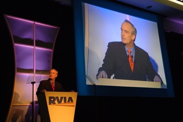[Assignment: 48-DPA-11-27-07_SOI_K_RVIA_Event] Recreation Vehicle Industry Association (RVIA) annual convention at the Kentucky Exposition Center, Louisville, Kentucky, where Secretary Dirk Kempthorne [joined Olympic gold medalist wrestler Rulon Gardner and RVIA President Richard Coon among the dignitaries on hand for speeches, tours] [48-DPA-11-27-07_SOI_K_RVIA_Event_DOI_7367.JPG]