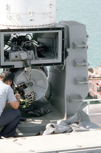 PH1 DeWayne Smith Persian Gulf....A crewman inspects a Mark 15 Phalanx 20mm close-in weapon system aboard the miscellaneous flagship USS La Salle (AGF-3). OFFICIAL U.S. NAVY PHOTO (RELEASED)