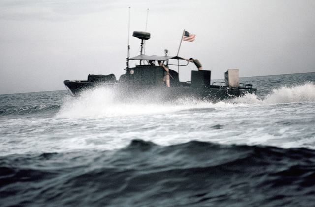 PH1 DeWayne Smith Persian Gulf....A PBR Mark II patrol boat executes a high-speed maneuver. OFFICIAL U.S. NAVY PHOTO (RELEASED)