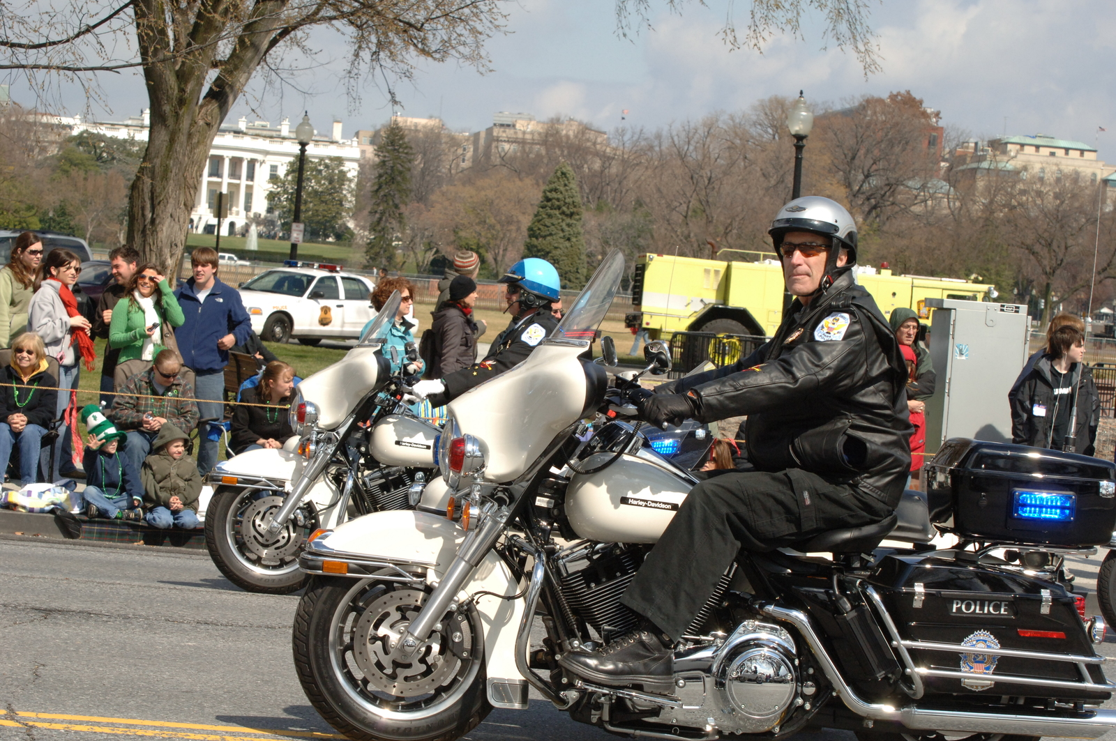 [Assignment: 48-DPA-03-16-08_SOI_K_St._Pat_Parade] Annual St. Patrick's Day Parade along Constitution Avenue, Washington, D.C., where Secretary Dirk Kempthorne [participated in the U.S. Park Police motorcycle procession] [48-DPA-03-16-08_SOI_K_St_Pat_Parade_IOD_2396.JPG]