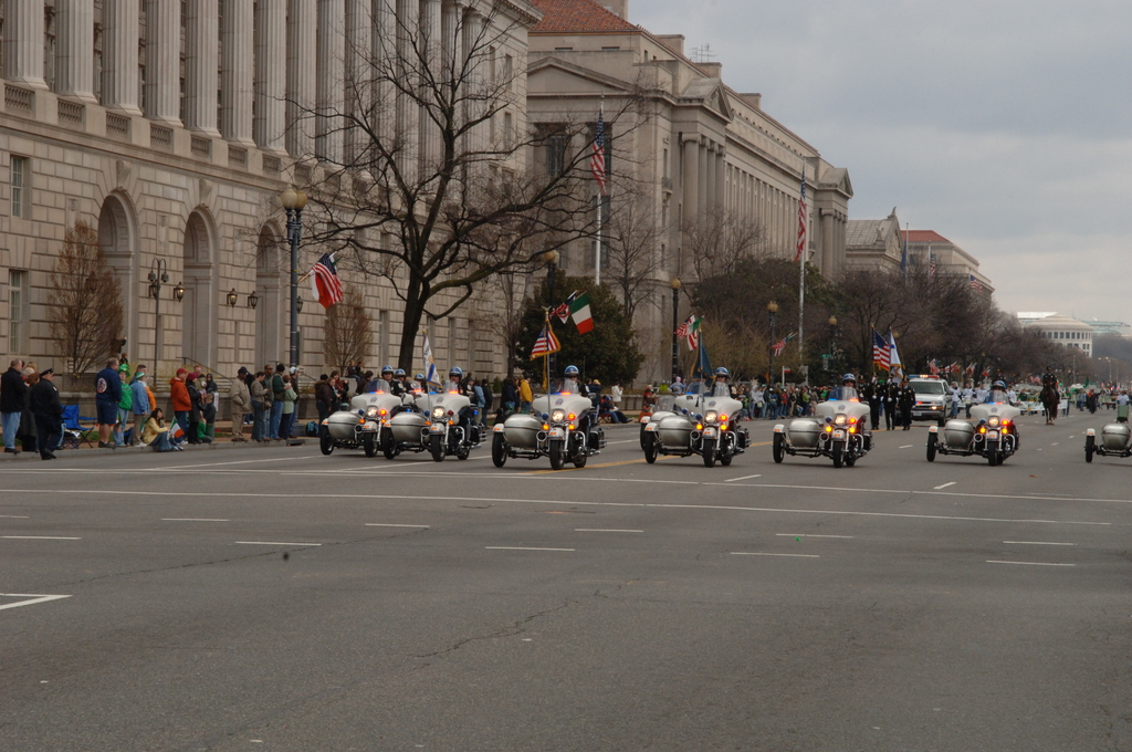 [Assignment: 48-DPA-03-16-08_SOI_K_St._Pat_Parade] Annual St. Patrick's Day Parade along Constitution Avenue, Washington, D.C., where Secretary Dirk Kempthorne [participated in the U.S. Park Police motorcycle procession] [48-DPA-03-16-08_SOI_K_St_Pat_Parade_DOI_1310.JPG]