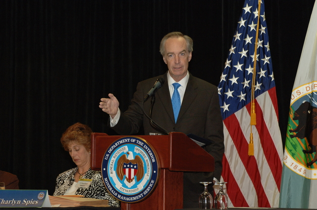 [Assignment: 48-DPA-03-20-08_SOI_K_Lease_1] Visit of Secretary Dirk Kempthorne to New Orleans, Louisiana, [where he opened, and announced high bid totals for,] the Minerals Management Service-sponsored federal sales of offshore oil and natural gas leases [in the Eastern Gulf of Mexico (Lease Sale 224) and the Central Gulf of Mexico (Lease Sale 206). The sales, attracting a record-setting  $3.7 billion in high bids, inaugurated a program of enhanced revenue sharing with oil and gas producing Gulf states, along with higher royalty rates.] [48-DPA-03-20-08_SOI_K_Lease_1_IOD_2456.JPG]