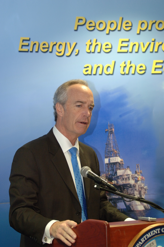 [Assignment: 48-DPA-03-20-08_SOI_K_Lease_1] Visit of Secretary Dirk Kempthorne to New Orleans, Louisiana, [where he opened, and announced high bid totals for,] the Minerals Management Service-sponsored federal sales of offshore oil and natural gas leases [in the Eastern Gulf of Mexico (Lease Sale 224) and the Central Gulf of Mexico (Lease Sale 206). The sales, attracting a record-setting  $3.7 billion in high bids, inaugurated a program of enhanced revenue sharing with oil and gas producing Gulf states, along with higher royalty rates.] [48-DPA-03-20-08_SOI_K_Lease_1_DOI_1675.JPG]