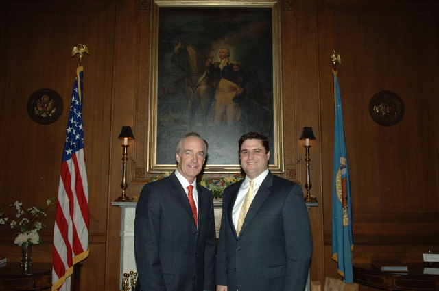 [Assignment: 48-DPA-03-27-08_SOI_K_Lowe] Secretary Dirk Kempthorne [at Main Interior] with Mitchell Lowe, [Interior's White House Liaison] [48-DPA-03-27-08_SOI_K_Lowe_IOD_2686.JPG]