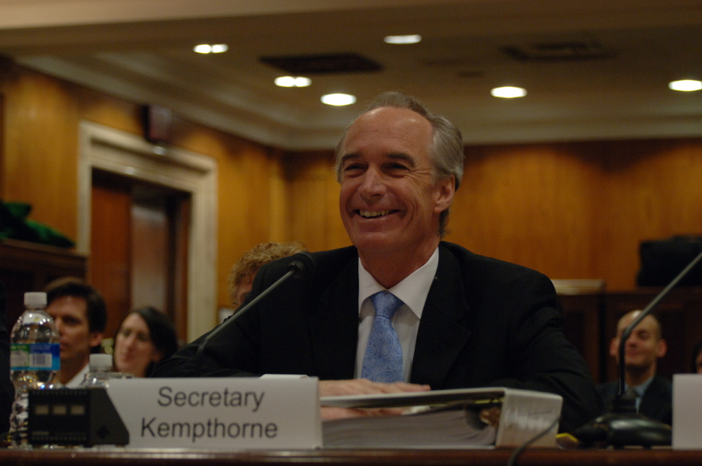 [Assignment: 48-DPA-04-15-08_SOI_K_Approp] Secretary Dirk Kempthorne, [joined by Office of Budget Director Pamela Haze and Associate Deputy Secretary James Cason], on Capitol Hill for testimony before the Senate Appropriations Subcommittee [on Interior, Environment, and Related Agencies,  concerning the 2009 President's budget request for Interior] [48-DPA-04-15-08_SOI_K_Approp_DOI_2030.JPG]