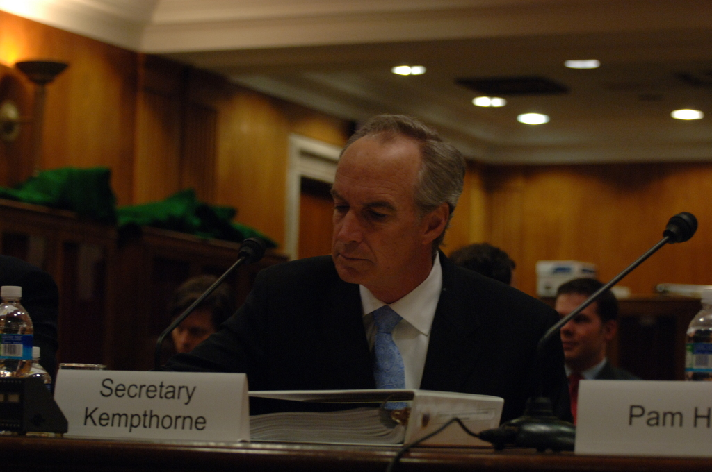 [Assignment: 48-DPA-04-15-08_SOI_K_Approp] Secretary Dirk Kempthorne, [joined by Office of Budget Director Pamela Haze and Associate Deputy Secretary James Cason], on Capitol Hill for testimony before the Senate Appropriations Subcommittee [on Interior, Environment, and Related Agencies,  concerning the 2009 President's budget request for Interior] [48-DPA-04-15-08_SOI_K_Approp_DOI_2026.JPG]