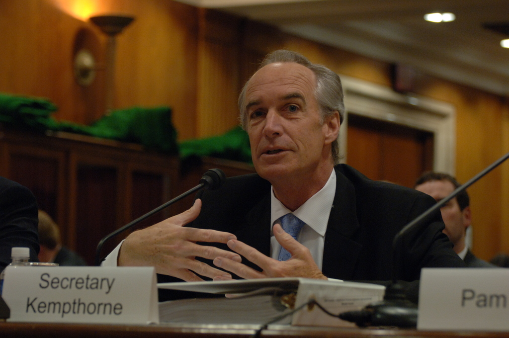 [Assignment: 48-DPA-04-15-08_SOI_K_Approp] Secretary Dirk Kempthorne, [joined by Office of Budget Director Pamela Haze and Associate Deputy Secretary James Cason], on Capitol Hill for testimony before the Senate Appropriations Subcommittee [on Interior, Environment, and Related Agencies,  concerning the 2009 President's budget request for Interior] [48-DPA-04-15-08_SOI_K_Approp_DOI_2057.JPG]
