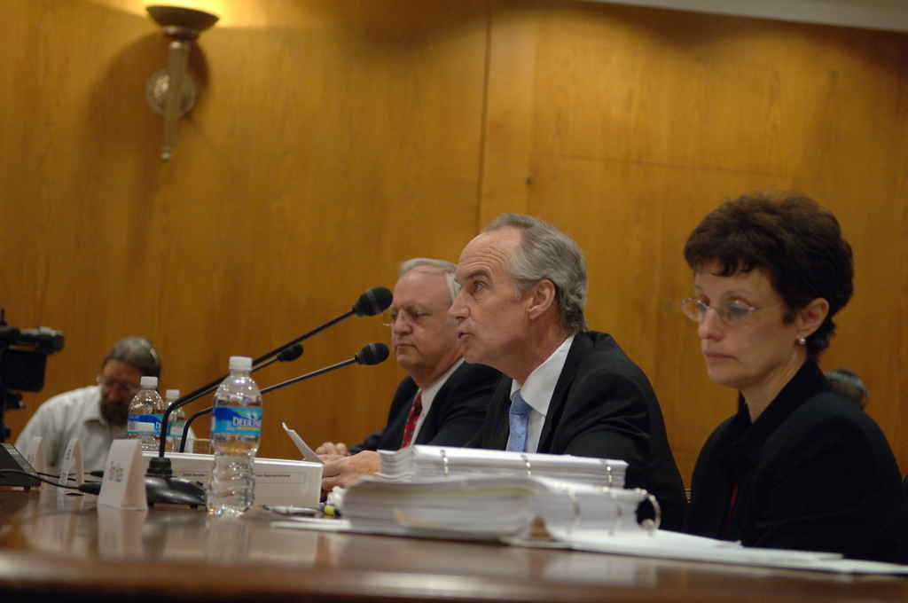 [Assignment: 48-DPA-04-15-08_SOI_K_Approp] Secretary Dirk Kempthorne, [joined by Office of Budget Director Pamela Haze and Associate Deputy Secretary James Cason], on Capitol Hill for testimony before the Senate Appropriations Subcommittee [on Interior, Environment, and Related Agencies,  concerning the 2009 President's budget request for Interior] [48-DPA-04-15-08_SOI_K_Approp_IOD_3623.JPG]
