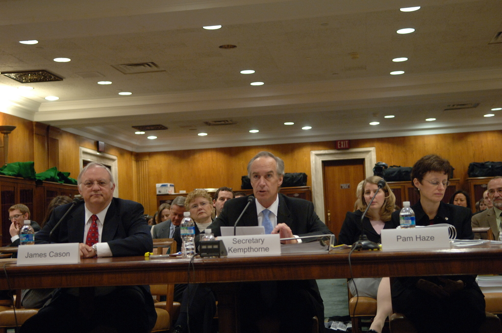 [Assignment: 48-DPA-04-15-08_SOI_K_Approp] Secretary Dirk Kempthorne, [joined by Office of Budget Director Pamela Haze and Associate Deputy Secretary James Cason], on Capitol Hill for testimony before the Senate Appropriations Subcommittee [on Interior, Environment, and Related Agencies,  concerning the 2009 President's budget request for Interior] [48-DPA-04-15-08_SOI_K_Approp_IOD_3612.JPG]