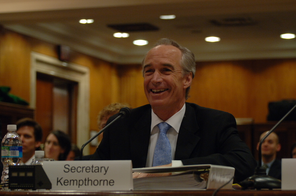[Assignment: 48-DPA-04-15-08_SOI_K_Approp] Secretary Dirk Kempthorne, [joined by Office of Budget Director Pamela Haze and Associate Deputy Secretary James Cason], on Capitol Hill for testimony before the Senate Appropriations Subcommittee [on Interior, Environment, and Related Agencies,  concerning the 2009 President's budget request for Interior] [48-DPA-04-15-08_SOI_K_Approp_DOI_2029.JPG]