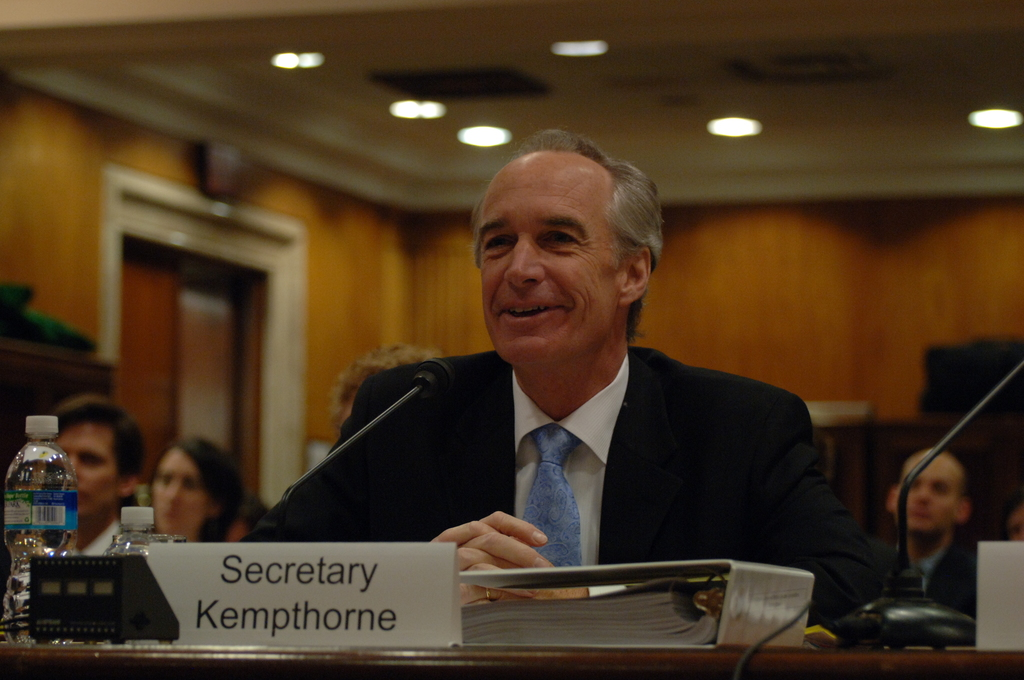 [Assignment: 48-DPA-04-15-08_SOI_K_Approp] Secretary Dirk Kempthorne, [joined by Office of Budget Director Pamela Haze and Associate Deputy Secretary James Cason], on Capitol Hill for testimony before the Senate Appropriations Subcommittee [on Interior, Environment, and Related Agencies,  concerning the 2009 President's budget request for Interior] [48-DPA-04-15-08_SOI_K_Approp_DOI_2035.JPG]