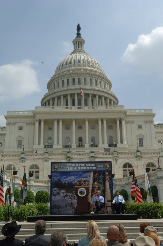 [Assignment: 48-DPA-04-24-08_SOI_K_CC_Ev] Press conference, [on the steps of the U.S. Capitol], announcing the final list of National Park Centennial Challenge projects [to be funded in 2008.] [48-DPA-04-24-08_SOI_K_CC_Ev_DOI_2453.JPG]