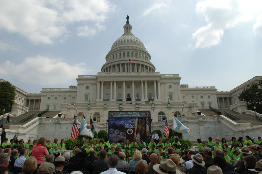 [Assignment: 48-DPA-04-24-08_SOI_K_CC_Ev] Press conference, [on the steps of the U.S. Capitol], announcing the final list of National Park Centennial Challenge projects [to be funded in 2008.] [48-DPA-04-24-08_SOI_K_CC_Ev_DOI_2391.JPG]