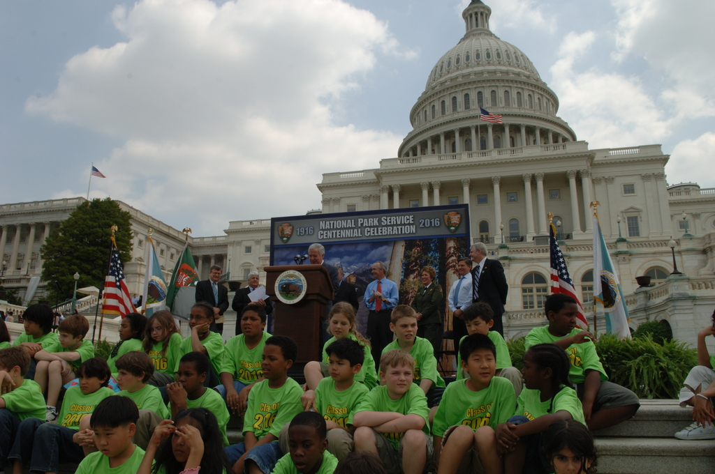 [Assignment: 48-DPA-04-24-08_SOI_K_CC_Ev] Press conference, [on the steps of the U.S. Capitol], announcing the final list of National Park Centennial Challenge projects [to be funded in 2008.] [48-DPA-04-24-08_SOI_K_CC_Ev_DOI_2429.JPG]