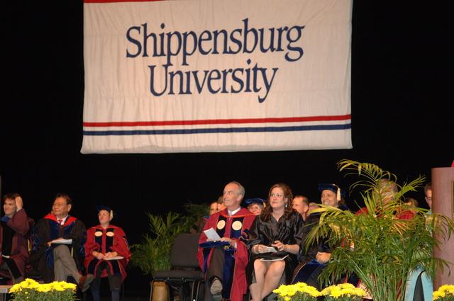 [Assignment: 48-DPA-05-09-08_SOI_K_Shipp_Grad] Visit of Secretary Dirk Kempthorne to Shippensburg University, Shippensburg, Pennsylvania, [where he delivered address at the] graduate commencement ceremony, [Luhrs Performing Arts Center] [48-DPA-05-09-08_SOI_K_Shipp_Grad_DOI_4845.JPG]
