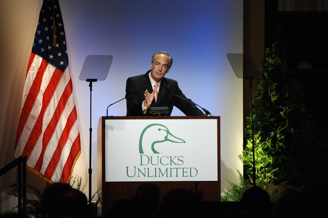 [Assignment: 48-DPA-05-23-08_SOI_K_DU_Speech] Activities at the Ducks Unlimited (DU) National Convention, Baltimore, Maryland, where Secretary Dirk Kempthorne delivered speech,  [joining DU Chairman James Hulbert and DU President Bruce Lewis among the dignitaries on hand] [48-DPA-05-23-08_SOI_K_DU_Speech_IOD_5652.JPG]
