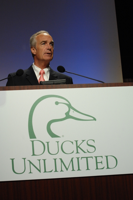[Assignment: 48-DPA-05-23-08_SOI_K_DU_Speech] Activities at the Ducks Unlimited (DU) National Convention, Baltimore, Maryland, where Secretary Dirk Kempthorne delivered speech,  [joining DU Chairman James Hulbert and DU President Bruce Lewis among the dignitaries on hand] [48-DPA-05-23-08_SOI_K_DU_Speech_IOD_5709.JPG]