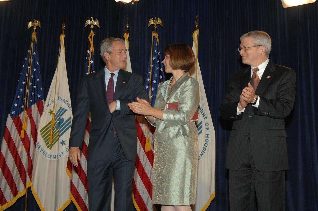 Swearing-in Ceremony for HUD Secretary Steve Preston - Swearing-in ceremony for new HUD Secretary, Steve Preston, at HUD Headquarters, [with President George W. Bush presiding]