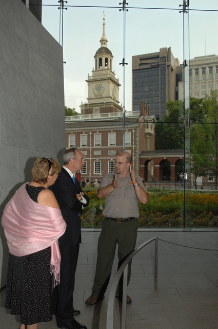 [Assignment: 48-DPA-07-13-08_SOI_K_Philly_Tour] Secretary Dirk Kempthorne on visit to Independence National Historical Park [and environs] in Philadelphia, Pennsylvania, [where he toured with his wife Patricia, aides, and Independence National Historical Park Deputy Superintendent Darla Sidles, and spoke with National Park Service staff, law enforcement personnel, and visitors] [48-DPA-07-13-08_SOI_K_Philly_Tour_IOD_9293.JPG]