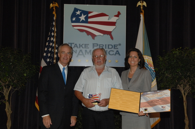 [Assignment: 48-DPA-07-18-08_SOI_K_TPIA] Take Pride in America National Awards ceremony [at Main Interior,] with presentations by Secretary Dirk Kempthorne, Take Pride in America [Executive Director Katie Loovis, and other senior officials] [48-DPA-07-18-08_SOI_K_TPIA_IOD_0177.JPG]