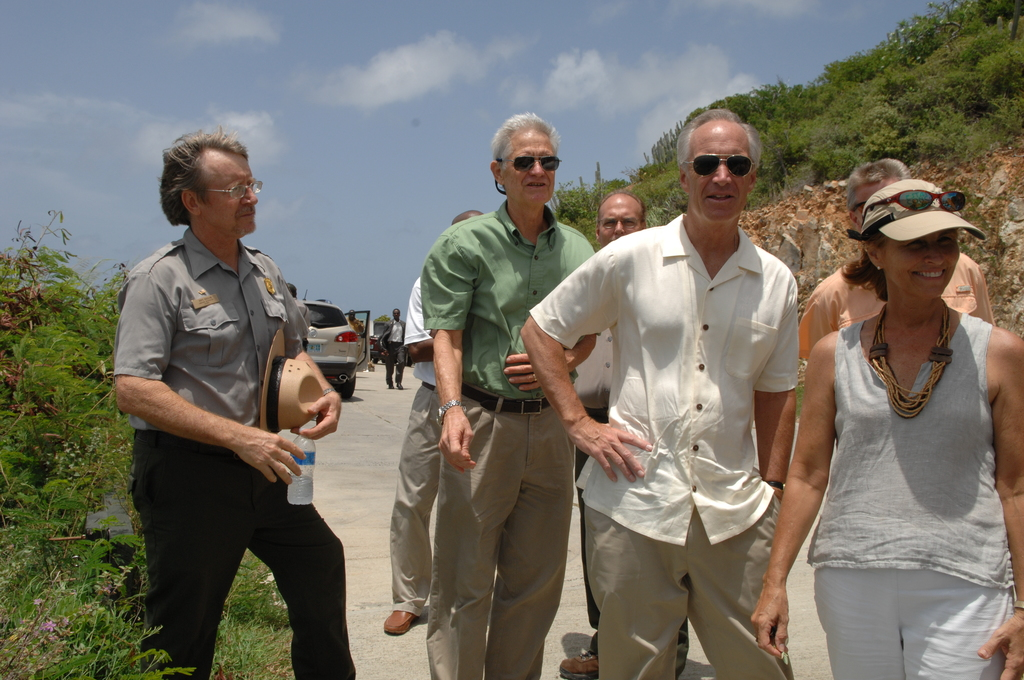 [Assignment: 48-DPA-08-23-08_SOI_K_Johns] Visit of Secretary Dirk Kempthorne [and aides] to St. John, U.S. Virgin Islands, [for tour of Virgin Islands National Park and other natural and developed sites, discussions with National Park Service personnel and Virgin Islands officials, and press conference at the National Park Service Dock Visitor Center concerning acquisition of land for new school construction] [48-DPA-08-23-08_SOI_K_Johns_DOI_8117.JPG]