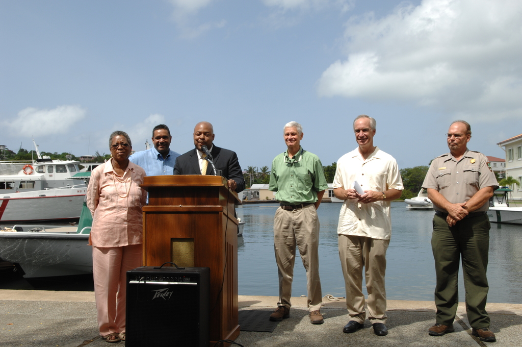 [Assignment: 48-DPA-08-23-08_SOI_K_Johns] Visit of Secretary Dirk Kempthorne [and aides] to St. John, U.S. Virgin Islands, [for tour of Virgin Islands National Park and other natural and developed sites, discussions with National Park Service personnel and Virgin Islands officials, and press conference at the National Park Service Dock Visitor Center concerning acquisition of land for new school construction] [48-DPA-08-23-08_SOI_K_Johns_IOD_3582.JPG]
