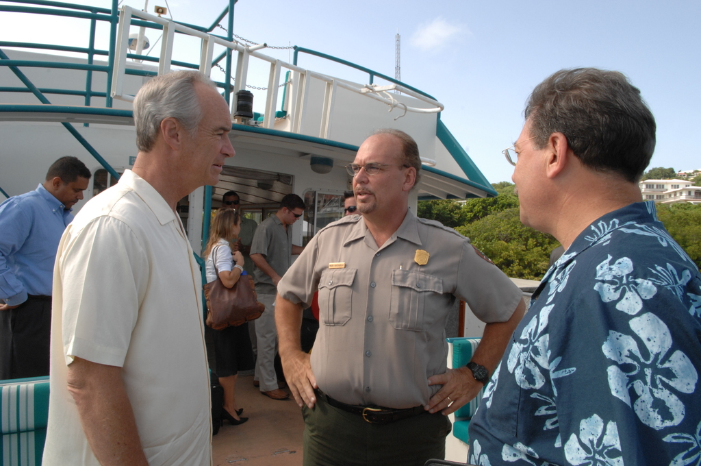[Assignment: 48-DPA-08-23-08_SOI_K_Johns] Visit of Secretary Dirk Kempthorne [and aides] to St. John, U.S. Virgin Islands, [for tour of Virgin Islands National Park and other natural and developed sites, discussions with National Park Service personnel and Virgin Islands officials, and press conference at the National Park Service Dock Visitor Center concerning acquisition of land for new school construction] [48-DPA-08-23-08_SOI_K_Johns_DOI_7929.JPG]