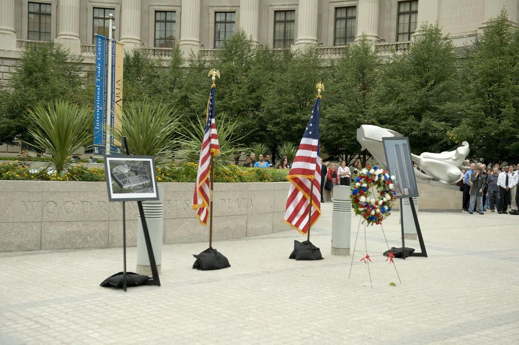 Office of the Administrator (Stephen L. Johnson) - September 11th Ceremony [412-APD-412-2008-09-11_Sept11Ceremony_040.jpg]