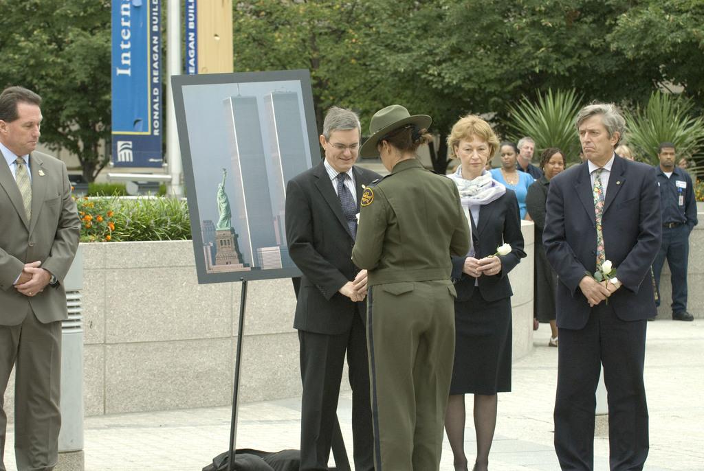 Office of the Administrator (Stephen L. Johnson) - September 11th Ceremony [412-APD-412-2008-09-11_Sept11Ceremony_008.jpg]