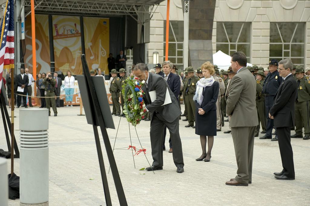 Office of the Administrator (Stephen L. Johnson) - September 11th Ceremony [412-APD-412-2008-09-11_Sept11Ceremony_038.jpg]