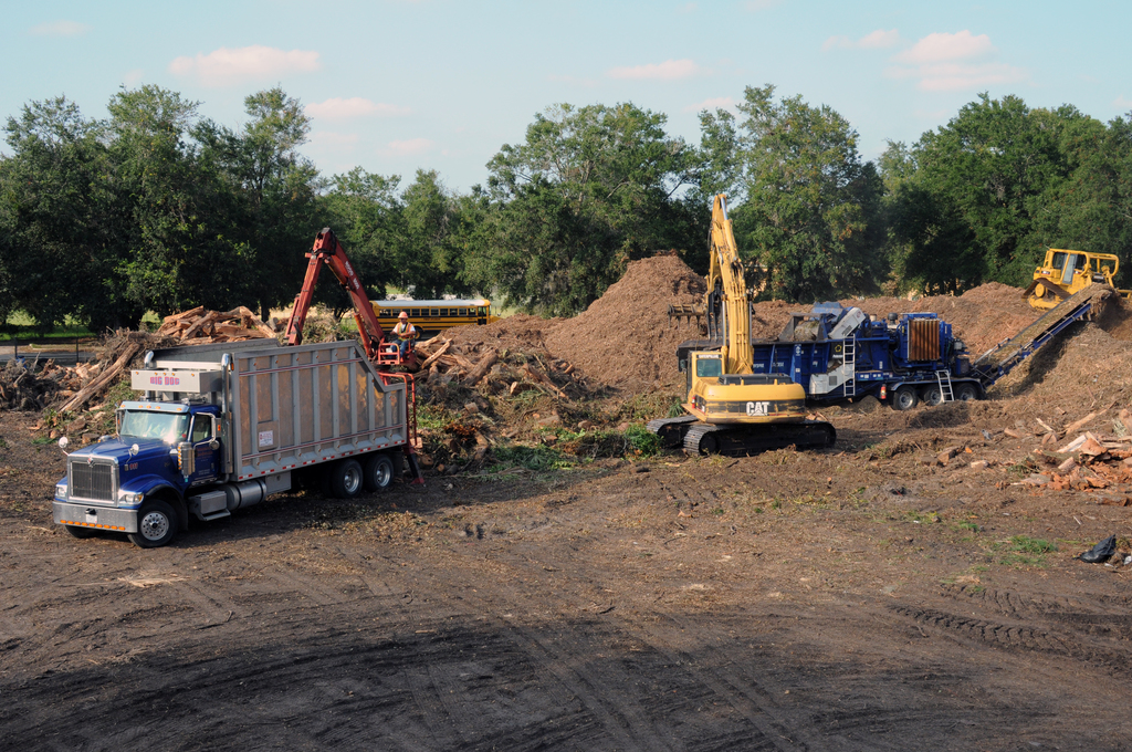 [Tropical Storm Fay] Jacksonville, FL, September 18, 2008 -- This is one of nine staging sites in Duval County where Tropical Storm Fay debris is being delivered by contractors, shredded and transported to a land fill. FEMA Public Assistance(PA) funds probably will be paying 75% of the cost. George Armstrong/FEMA