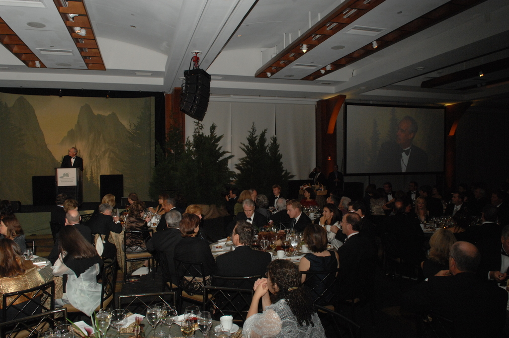 [Assignment: 48-DPA-09-24-08_SOI_K_NYC_NPF] National Park Foundation annual gala and fundraiser [at the Chelsea Piers,] New York City, New York, with Secretary Dirk Kempthorne [joining First Lady Laura Bush, National Park Foundation Board member Roland Betts, National Park Foundation Vice Chair Regan Gammon, and Discovery Communications President and Chief Executive Officer David Zazlav among the dignitaries delivering remarks] [48-DPA-09-24-08_SOI_K_NYC_NPF_DOI_9915.JPG]
