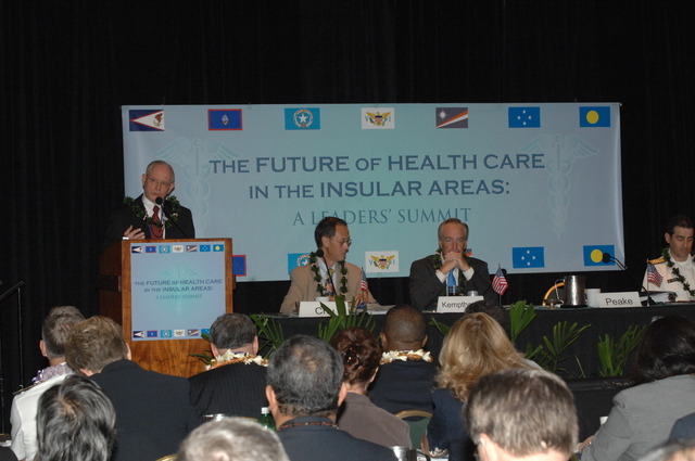"""[Assignment: 48-DPA-09-29-08_SOI_K_Isl_Conf_AM] Insular Areas Health Summit [(""""The Future of Health Care in the Insular Areas: A Leaders Summit"""") at the Marriott Hotel in] Honolulu, Hawaii, where Interior Secretary Dirk Kempthorne [joined senior federal health officials and leaders of the U.S. territories and freely associated states to discuss strategies and initiatives for advancing health care in those communinties [48-DPA-09-29-08_SOI_K_Isl_Conf_AM_IOD_4734.JPG]"""