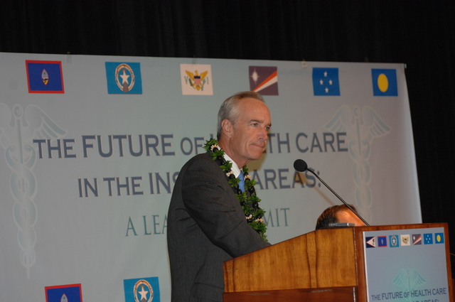 """[Assignment: 48-DPA-09-29-08_SOI_K_Isl_Conf_AM] Insular Areas Health Summit [(""""The Future of Health Care in the Insular Areas: A Leaders Summit"""") at the Marriott Hotel in] Honolulu, Hawaii, where Interior Secretary Dirk Kempthorne [joined senior federal health officials and leaders of the U.S. territories and freely associated states to discuss strategies and initiatives for advancing health care in those communinties [48-DPA-09-29-08_SOI_K_Isl_Conf_AM_DOI_0466.JPG]"""