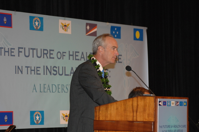 """[Assignment: 48-DPA-09-29-08_SOI_K_Isl_Conf_AM] Insular Areas Health Summit [(""""The Future of Health Care in the Insular Areas: A Leaders Summit"""") at the Marriott Hotel in] Honolulu, Hawaii, where Interior Secretary Dirk Kempthorne [joined senior federal health officials and leaders of the U.S. territories and freely associated states to discuss strategies and initiatives for advancing health care in those communinties [48-DPA-09-29-08_SOI_K_Isl_Conf_AM_DOI_0458.JPG]"""