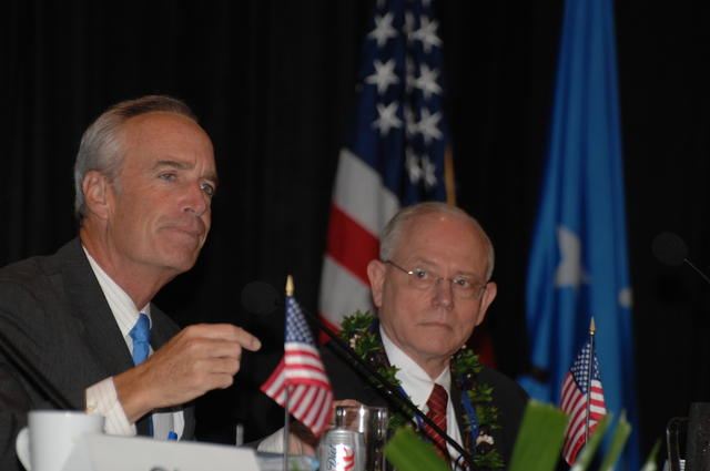 """[Assignment: 48-DPA-09-29-08_SOI_K_Isl_Conf_PM] Insular Areas Health Summit [(""""The Future of Health Care in the Insular Areas: A Leaders Summit"""") at the Marriott Hotel in] Honolulu, Hawaii, where Interior Secretary Dirk Kempthorne [joined senior federal health officials and leaders of the U.S. territories and freely associated states to discuss strategies and initiatives for advancing health care in those communities.] [48-DPA-09-29-08_SOI_K_Isl_Conf_PM_DOI_0732.JPG]"""