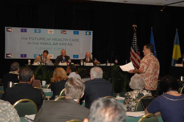 """[Assignment: 48-DPA-09-29-08_SOI_K_Isl_Conf_PM] Insular Areas Health Summit [(""""The Future of Health Care in the Insular Areas: A Leaders Summit"""") at the Marriott Hotel in] Honolulu, Hawaii, where Interior Secretary Dirk Kempthorne [joined senior federal health officials and leaders of the U.S. territories and freely associated states to discuss strategies and initiatives for advancing health care in those communities.] [48-DPA-09-29-08_SOI_K_Isl_Conf_PM_DOI_0694.JPG]"""