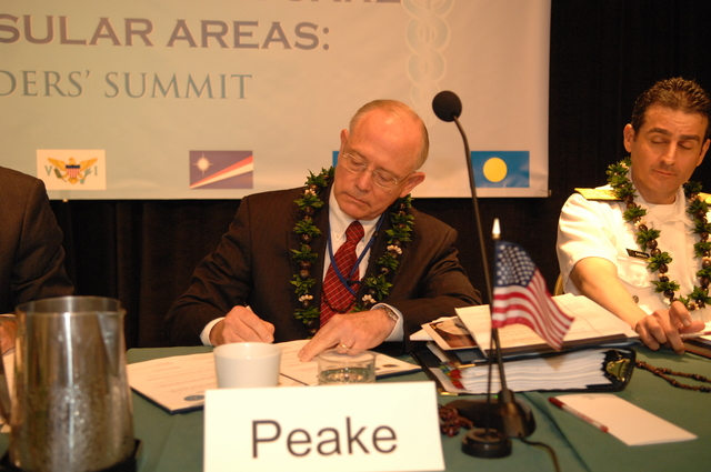 "[Assignment: 48-DPA-09-29-08_SOI_K_Isl_Conf_Sign] Signing of interagency coordination pledge at the Insular Areas Health Summit [(""The Future of Health Care in the Insular Areas: A Leaders Summit"") at the Marriott Hotel in] Honolulu, Hawaii, where Interior Secretary Dirk Kempthorne [joined senior federal health officials and leaders of the U.S. territories and freely associated states to discuss strategies and initiatives for advancing health care in those communities [48-DPA-09-29-08_SOI_K_Isl_Conf_Sign_DOI_0597.JPG]"