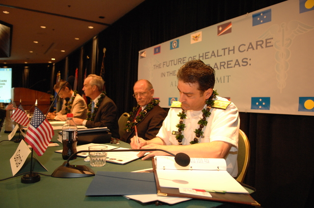 """[Assignment: 48-DPA-09-29-08_SOI_K_Isl_Conf_Sign] Signing of interagency coordination pledge at the Insular Areas Health Summit [(""""The Future of Health Care in the Insular Areas: A Leaders Summit"""") at the Marriott Hotel in] Honolulu, Hawaii, where Interior Secretary Dirk Kempthorne [joined senior federal health officials and leaders of the U.S. territories and freely associated states to discuss strategies and initiatives for advancing health care in those communities [48-DPA-09-29-08_SOI_K_Isl_Conf_Sign_DOI_0603.JPG]"""