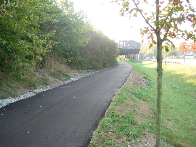 Repaved bike path facing South [Potential Release Site 7 - Abandoned Manholes and Sewer Lines]