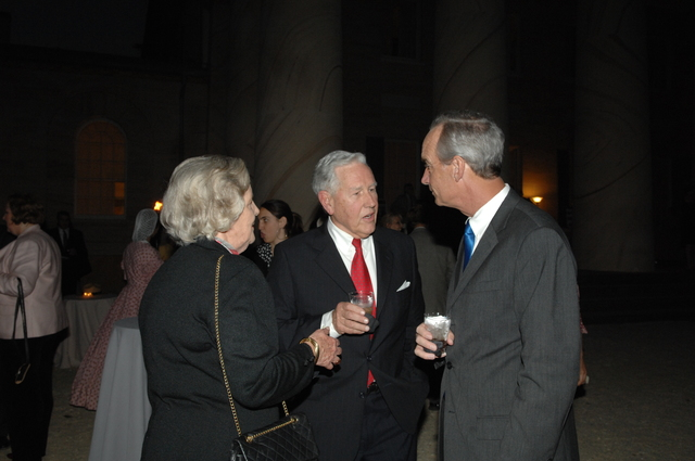 [Assignment: 48-DPA-10-15-08_SOI_K_Arlington] Secretary Dirk Kempthorne [joining National Park Service Director Mary Bomar and other officials for tours,] reception at the Arlington House-Robert E. Lee Memorial, Arlington, Virginia [48-DPA-10-15-08_SOI_K_Arlington_IOD_5619.JPG]